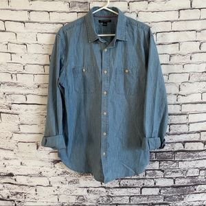 Banana Republic SL Chambray Button Down L/S